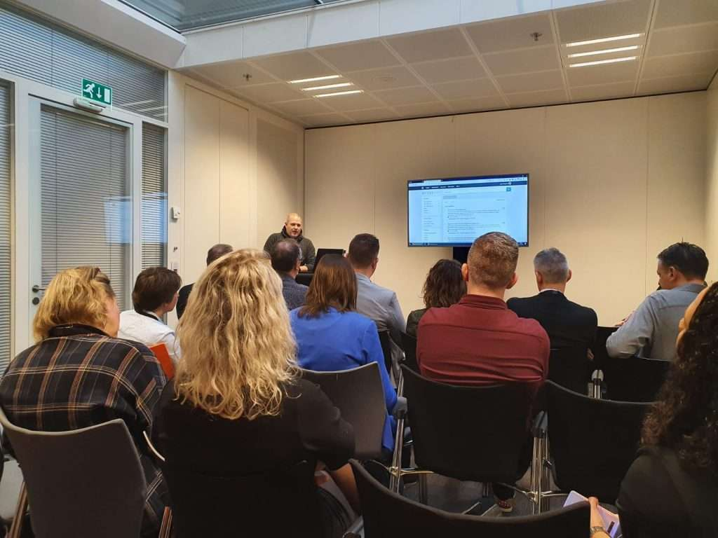Tony Jans geeft een demonstratie van MY-LEX Legacy, hét systeem voor migreren en uitfaseren van zaaksystemen.